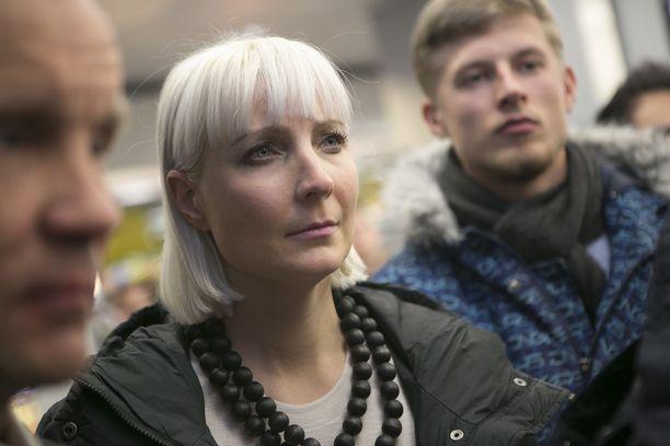 Laura Huhtasaari kommentoi, ettei oikeasti toivonut tutkintapyyntöjä.