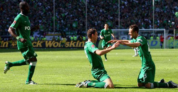 Wolfsburg varmisti mestaruutensa voittamalla Werder Bremenin 5-1.
