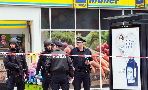Poliisi tutki iskupaikkaa viikonloppuna.