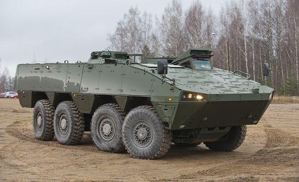 Junan kanssa kolaroinut ajoneuvo oli mallia Patria XA-360 AMV, kertoo Ruotsin puolustusvoimat. Arkistokuva.