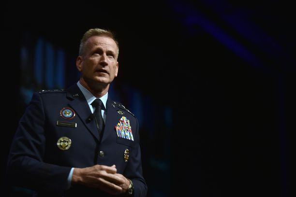 Kenraali Terrence O'Shaughnessy saattaisi ääritilanteessa ottaa johtovastuun Yhdysvalloissa. Kuva vuodelta 2018.