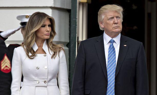 Donald Trump ja Melania Trump puhuivat kannattajilleen Floridassa.