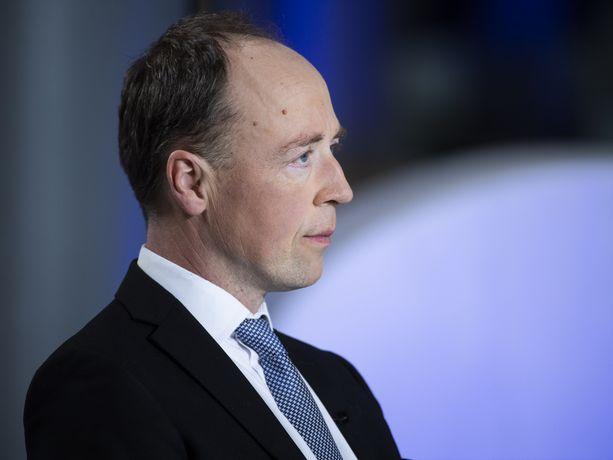 Perussuomalaisten kannatusnousu sai muut puheenjohtajat hyökkäämään puheenjohtaja Jussi Halla-ahon kimppuun Ylen vaalitentissä, joka oli näiden eduskuntavaalien viimeinen.