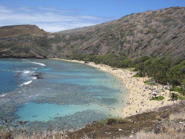 Hanauma Bay on syntynyt tulivuoren kraaterista.