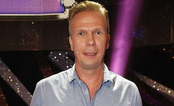 Jukka Rasila, 48, on tunnettu suomalainen näyttelijä. Mies on nähty esimerkiksi elokuvissa FC Venus ja Prinsessa.