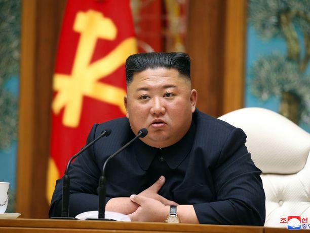 Kim Jong-un pysyi poissa julkisuudesta kolmen viikon ajan: edellisen kerran hänet nähtiin avaamassa lannoitetehdasta.