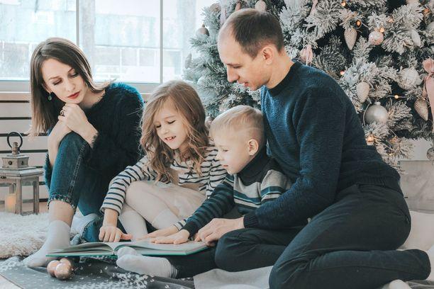 Juhlapyhien aikaan näkee, kuinka toinen käyttäytyy perheensä kanssa. Tai sinun perheesi.