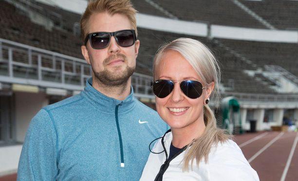 Lauri ja Elina Kottonen osallistuvat HCR-juoksutapahtumaan Helsingissä.