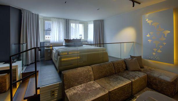 Klaus K -hotellin huoneissa on kiinnostavaa designia.