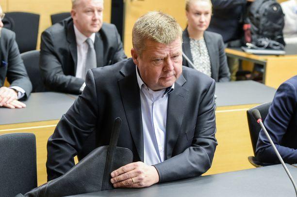 Helsingin käräjäoikeus on hylännyt Talvivaaran johdon sisäpiiririkossyytteet. Pekka Perä kuvattuna aiemmassa Talvivaara-oikeudenkäynnissä vuonna 2016.