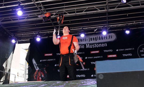 Mustonen teki ennätyksen Kouvolan keskustan kävelykatu Manskilla lauantai-iltapäivänä.