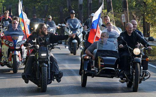 Korona hillinnyt venäläisjärjestön laajentumista Suomessa: Tällainen on Putinin susijengi