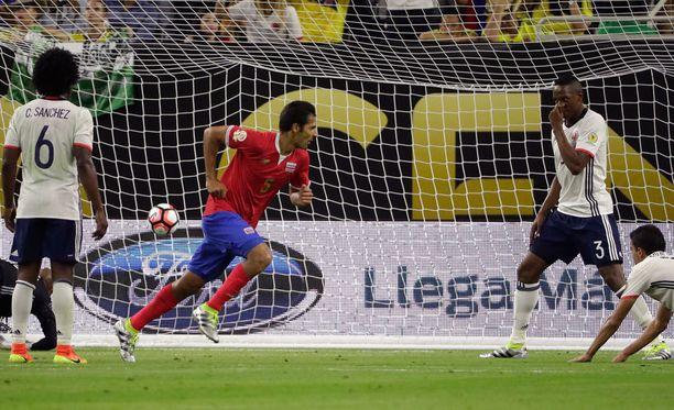 Costa Rican Celso Borges iski voittomaalin Kolumbian reppuun.