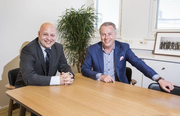 Rud Pedersenin Esa Suominen (vas.) ja Marcus Rantala. Kuva vuodelta 2015.