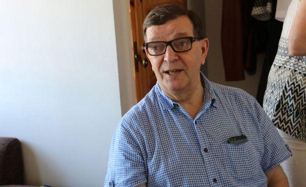 Keskustan pää-äänenkannattaja Suomenmaa ei enää julkaise keskustan kunniapuheenjohtajan Paavo Väyrysen kolumneja.