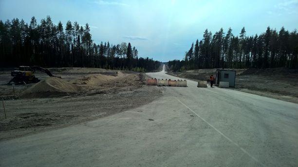Venäjän keskushallinnon rahoittama valtatie A121 on valmistunut Lahdenpohjaan saakka.