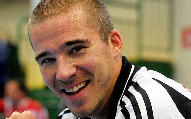 Aleksi Valavuori pyysi ToPoa häviämään ottelun keväällä 2006.