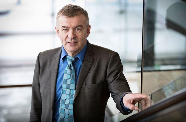 Kalle Lähdesmäki johtaa Ampumahiihtoliittoa.