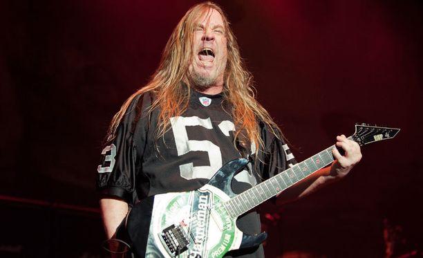 Jeff Hanneman kuului 1980-luvulla muodostetun Slayerin perustajajäseniin.