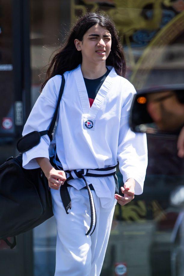 Blanket Jackson on aktiivinen karaten harrastaja. Hänellä on hallussaan musta vyö.