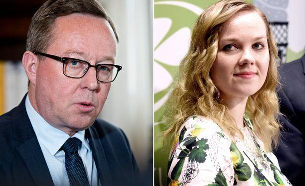 Mika Lintilä vaihtoi salkkua Katri Kulmunin kanssa.