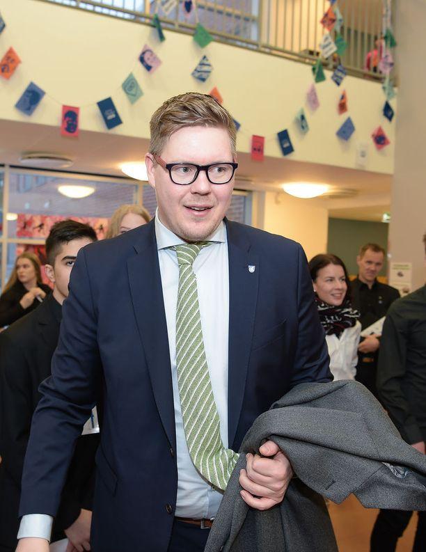 SDP:n eduskuntaryhmän puheenjohtaja Antti Lindtman puhui Bernerin hokkuspokkustempusta.