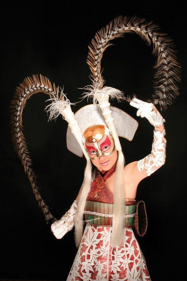 Cirque du Soleilin itämais-henkinen show on kuvattu Las Vegasissa, jossa sitä esitetään MGM Grand -kasinolla.