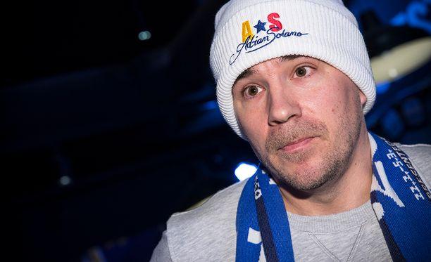 Aleksi Valavuori sai Adrian Solanon Lahteen.