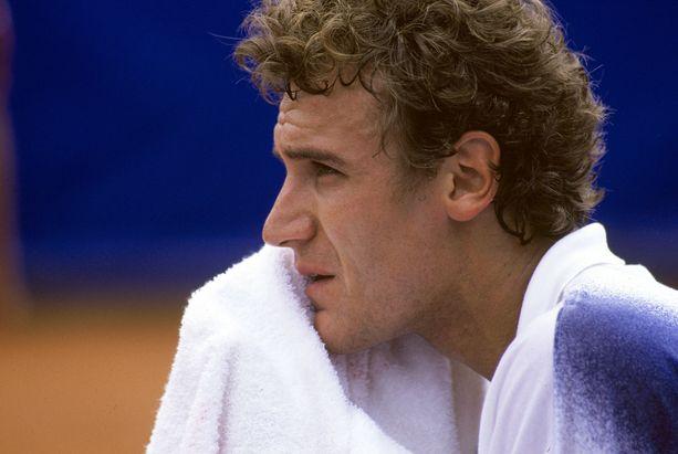 Mats Wilander voitti seitsemän Grand Slamia ja kävi tenniksen maailmanlistan ykkösenä. Hän arvostaa edelleen Veli Paloheimon taistelevaa tyyliä.