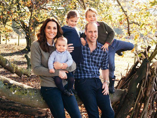 Prinssi William, herttuatar Catherine sekä lapset George, Charlotte ja Louis.