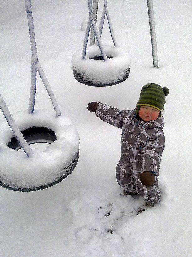 Isi, muistitko vaihtaa talvirenkaat?