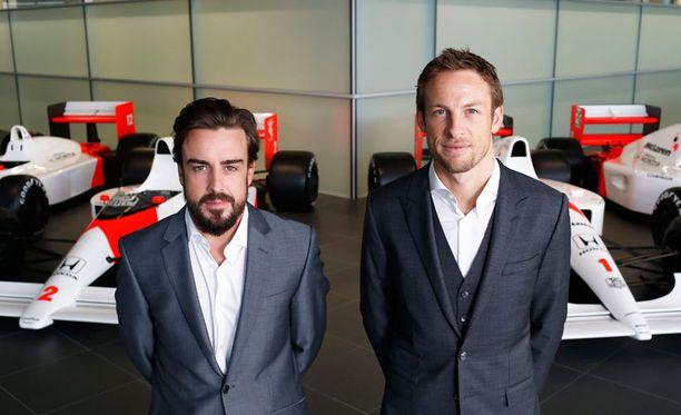 Fernando Alonso ja Jenson Button muodostavat McLarenin ensi kauden kuljettajaduon.