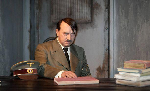 Madame Tussaud'sin vahakabinetissa Berliinissä on esillä Adolf Hitler, mutta sen kanssa ei voi ottaa selfieitä.