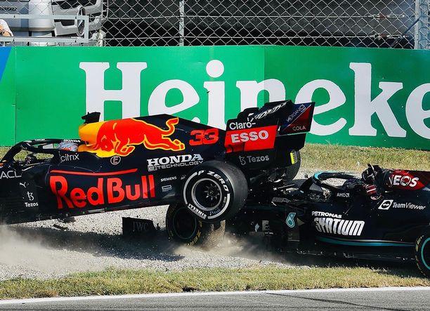 Halo-turvakaari saattoi pelastaa Lewis Hamiltonin pahoilta vammoilta.
