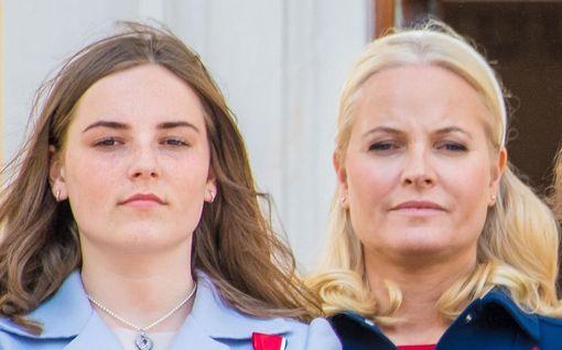 Kuin kaksi marjaa! Norjan kruununprinssiparin tytär on kuin Mette-Maritin kaksoisolento