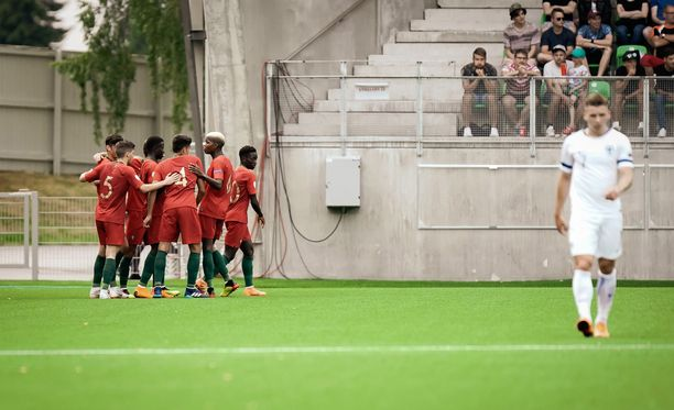 Portugali juhli Vaasan stadionilla sunnuntai-iltana, Suomi ei.