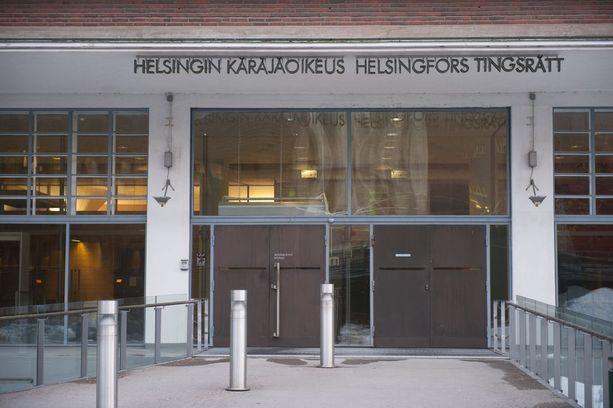 Helsingin käräjäoikeus passitti Aarnio-vyyhdin kärkitodistajana kuullun taparikollisen jälleen vankilaan.