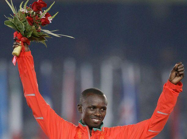 Samuel Wanjiru toi Kenialle olympiakultaa maratonilta.