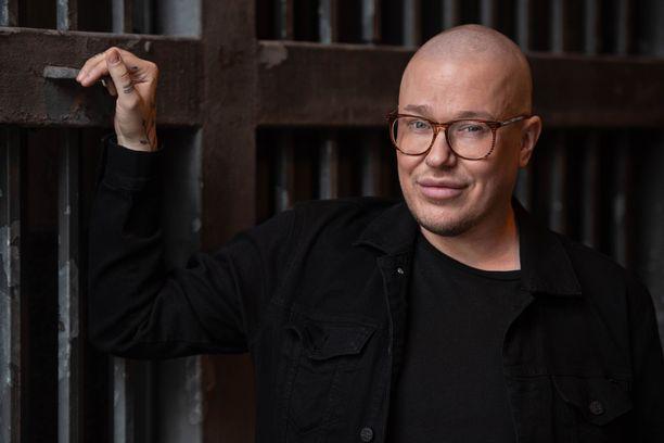 Laulaja Jesse Kaikuranta sai tarpeekseen krapulapäivistä.
