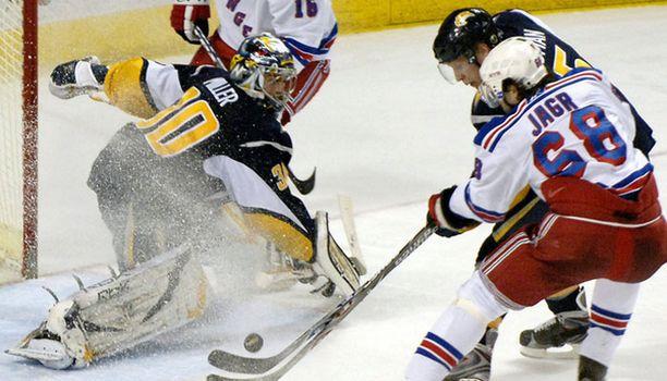 Toni Lydmanilla oli mainio iltapuhde viime yön NHL-kierroksella.