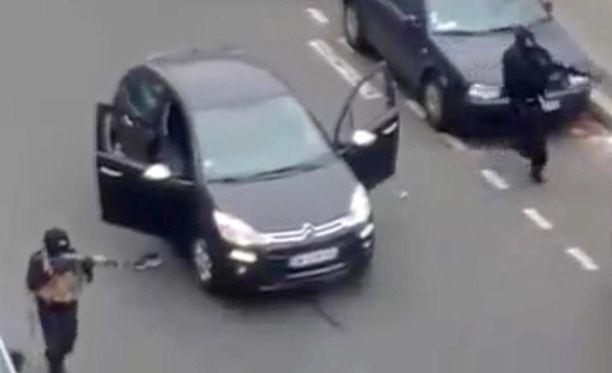 Terroristit iskivät verisesti Charlie Hebdo -lehden toimitukseen viime viikon keskiviikkona Pariisissa.