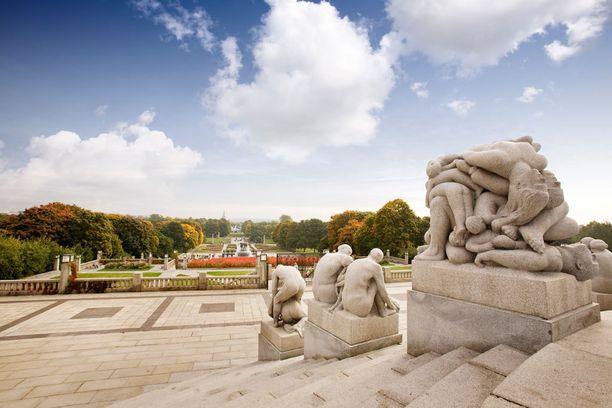 Frognerin puisto tunnetaan erikoisista patsaistaan.