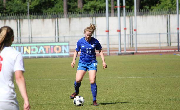 Annika Huhta tasoitti ottelun toisen puoliajan alussa.