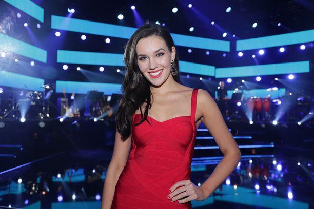 Michaela lähtee pian Miss Universum -kilpailuun.