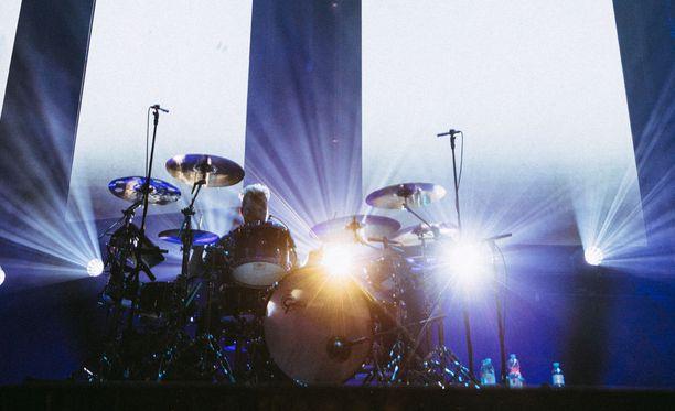 """""""Seinäjoelta on kuljettu pitkä matka tähän hetkeen"""", rumpali Sami Osala sanoo."""