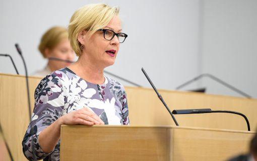 Eva Biaudet'n mukaan paperittomat saattavat päätyä ihmiskaupan uhreiksi.