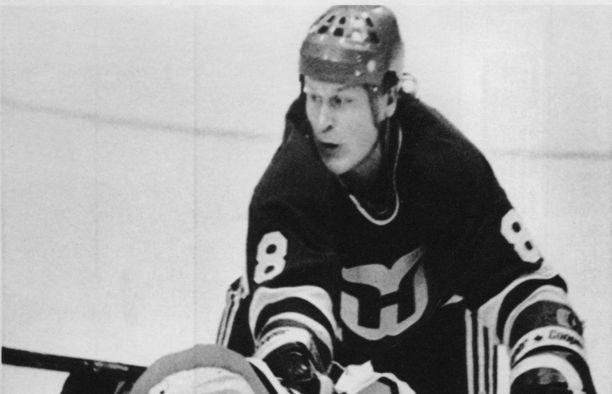 Risto Siltanen oli ensimmäisiä suomalaisia tähtipuolustajia NHL:ssä.