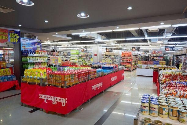 Naypyidawista löytyy monenlaisia palveluja: supermarketeja, nettikahviloita ja ravintoloita.