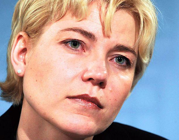 Uuden opetusministerin Henna Virkkusen on tartuttava peiteltyihin ongelmiin kouluissa.