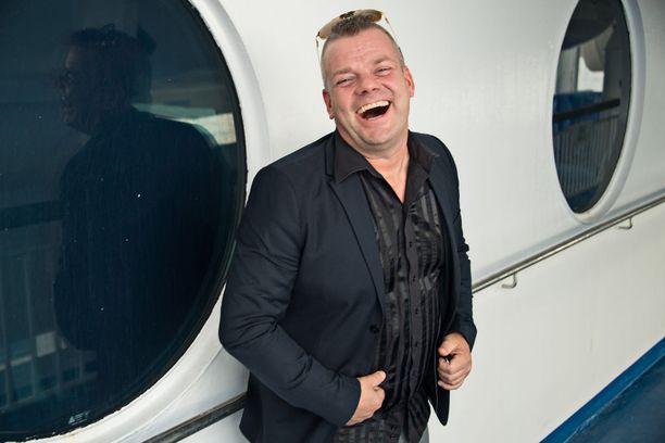 Jari Sillanpää on huimassa vedossa tämän viikon Vain elämää -jaksossa.